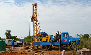 GSD-II drilling rig at construction site in Angra